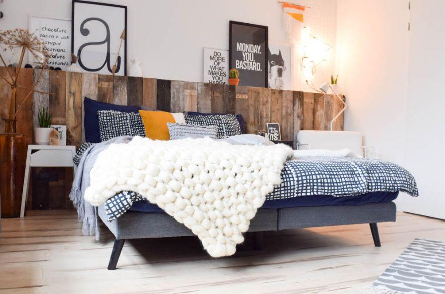 hoofdboard bed