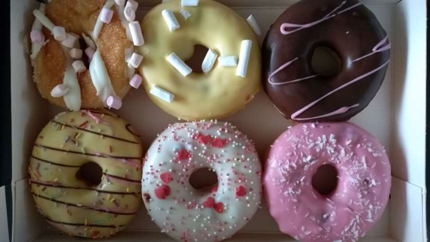 ik was jarig en kreeg donuts van Jubinka